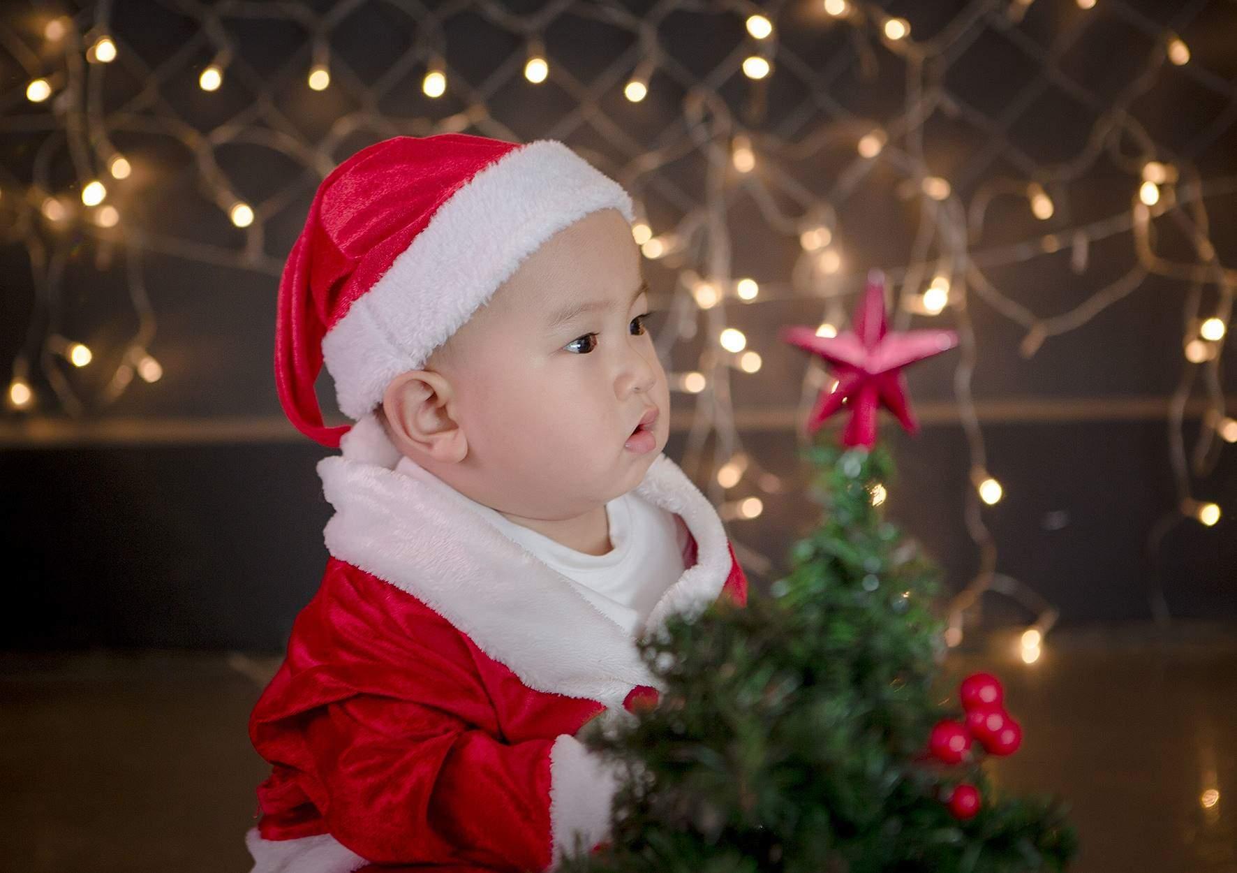 Chụp ảnh giáng sinh cho bé